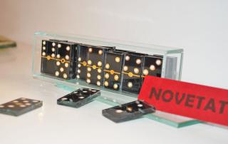 Domino personalizado de vidrio pintado a mano